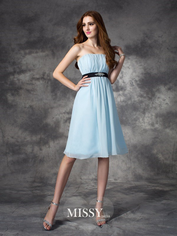 A-line/Princess Strapless Sleeveless Knee-Length Chiffon Bridesmaid Dresses