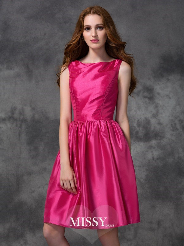 A-line/Princess Bateau Knee-length Ruched Taffeta Bridesmaid Dresses