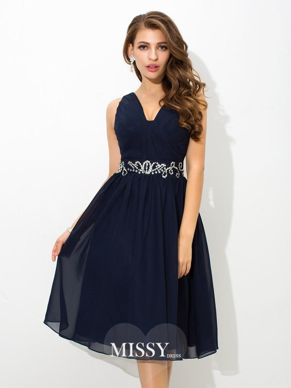 A-Line/Princess Straps Beading Knee-Length Chiffon Cocktail Dresses
