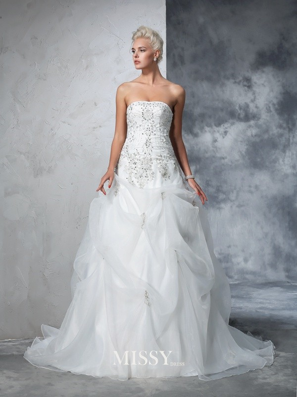 Ball Gown Sleeveless Strapless Tulle Beading Chapel Train Bridal Wedding Dresses