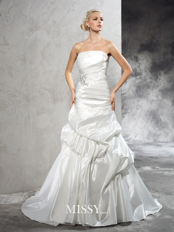 Sheath/Column Strapless Pleats Court Train Satin Wedding Dresses