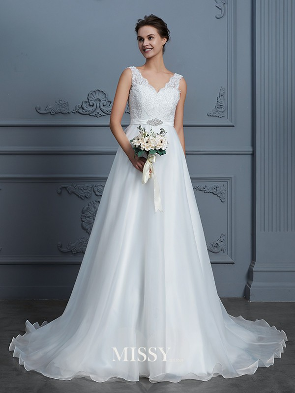A-Line/Princess V-neck Lace Floor-Length Chiffon Wedding Dresses