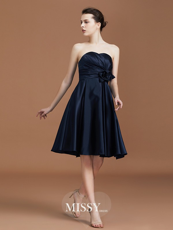 A-Line/Princess Sweetheart Hand-Made Flower Knee-Length Chiffon Bridesmaid Dresses