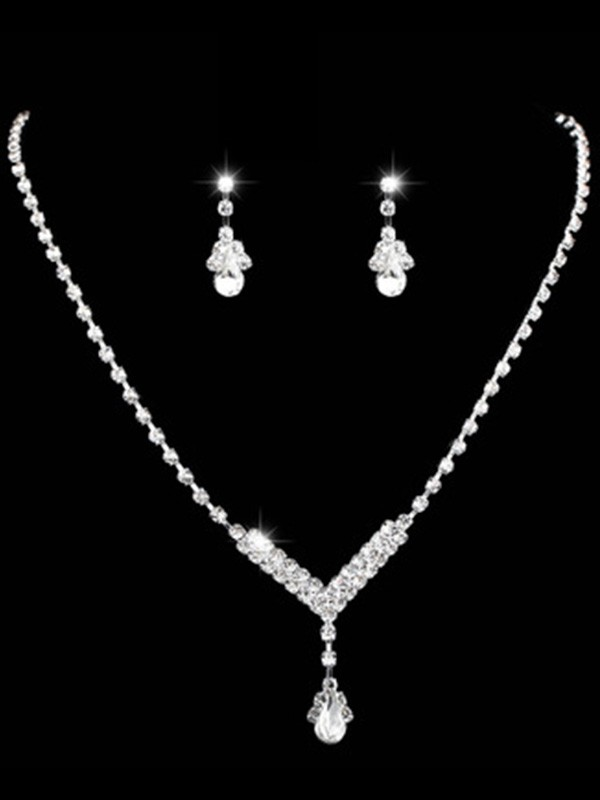 Gorgeous Rhinestone Ladies Jewelry Set