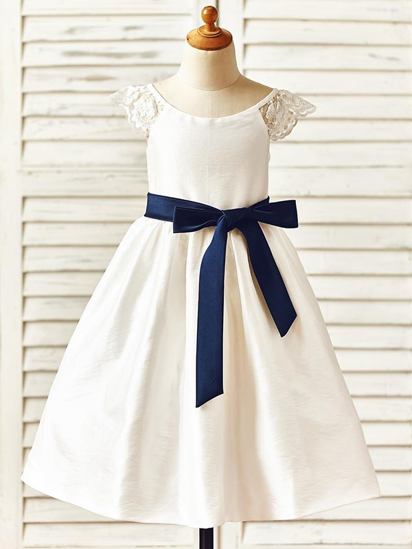 A-Line/Princess Scoop Knee-Length Sash/Ribbon/Belt Taffeta Flower Girl Dresses