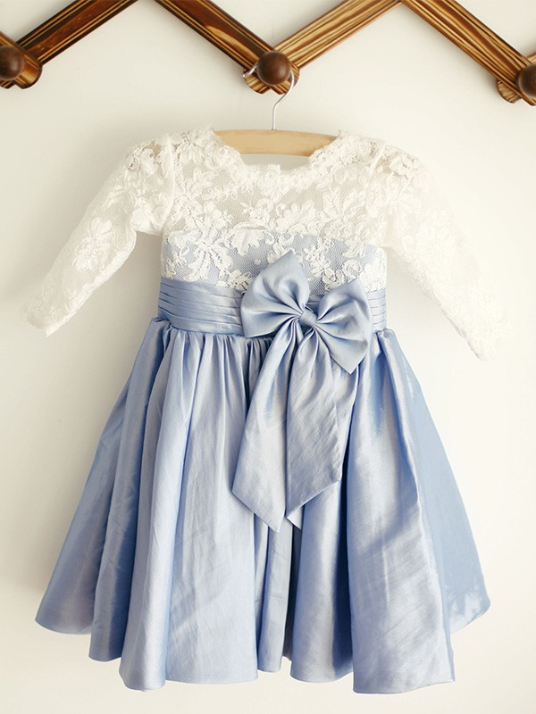 A-Line/Princess Scoop Knee-Length Lace Taffeta Flower Girl Dresses