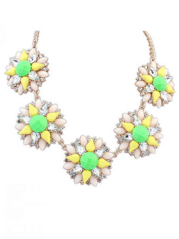 Occident Stylish Street shooting Popular Flowers Necklace