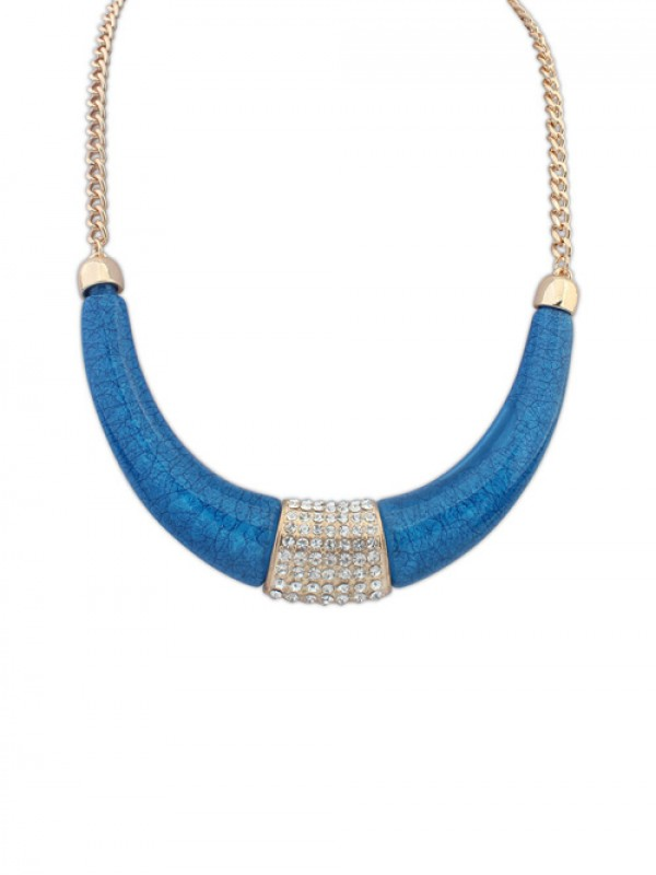 Occident Simple With Diamonds Arcuated Crescent Necklace