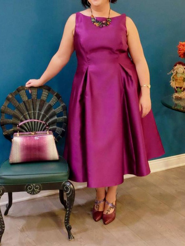A-Line/Princess Bateau Sleeveless Ruched Tea-Length Satin Plus Size Dresses
