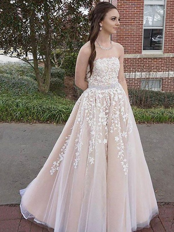 A-Line/Princess Strapless Floor-Length Applique Tulle Dresses