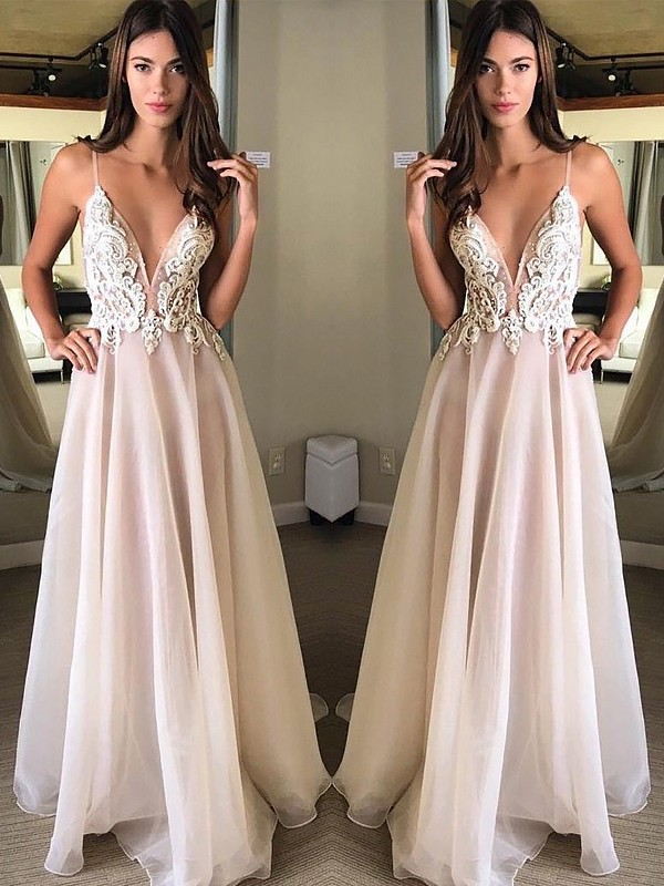 A-Line/Princess Spaghetti Straps Sweep/Brush Train Applique Chiffon Dresses