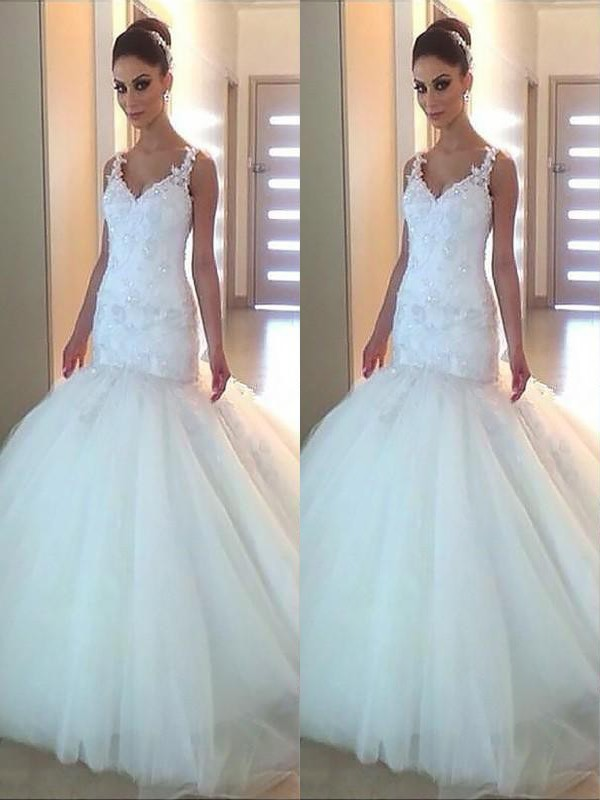 Trumpet/Mermaid V-neck Tulle Sleeveless Court Train Wedding Dresses