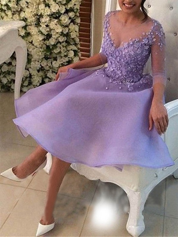 A-Line/Princess V-neck Knee-Length Applique Organza Dresses
