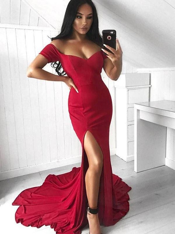 Trumpet/Mermaid Off-the-Shoulder Court Train Ruffles Spandex Dresses