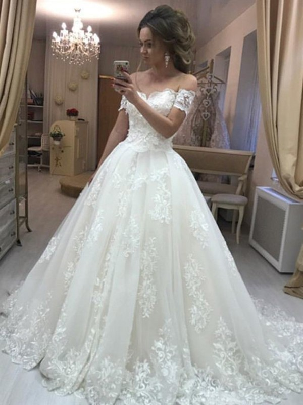 A-Line/Princess Off-the-Shoulder Sleeveless Sweep/Brush Train Tulle Wedding Dresses