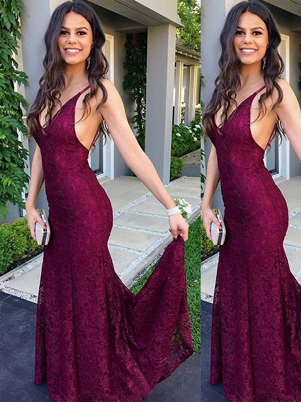Trumpet/Mermaid V-neck Sweep/Brush Train Lace Dresses