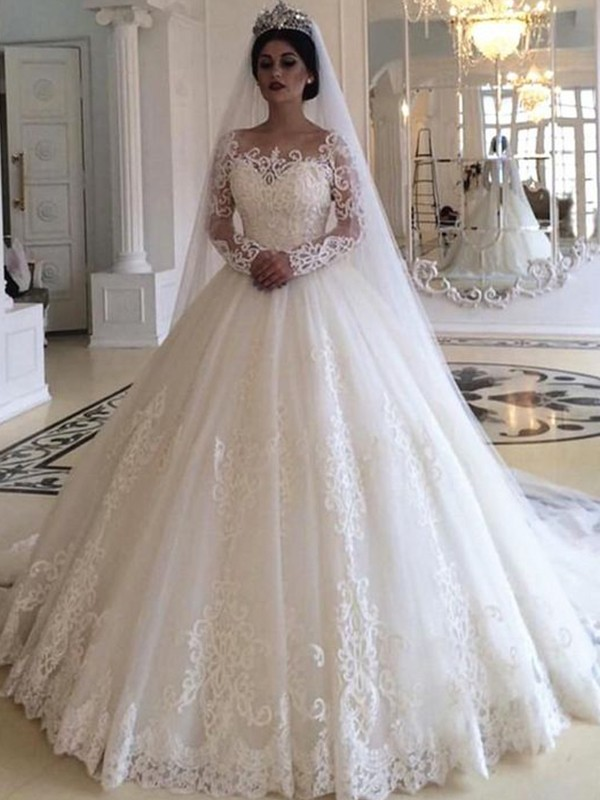 Ball Gown Off-the-Shoulder Sweep/Brush Train Applique Tulle Wedding Dresses