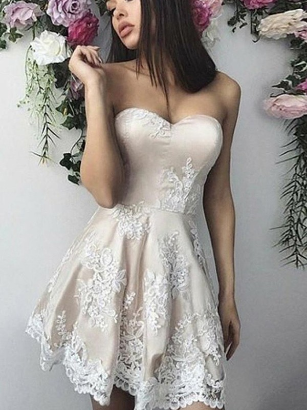 A-Line/Princess Sweetheart Short/Mini Applique Lace Dresses