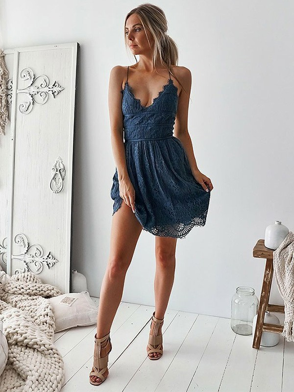 A-Line/Princess V-neck Short/Mini Ruffles Lace Dresses