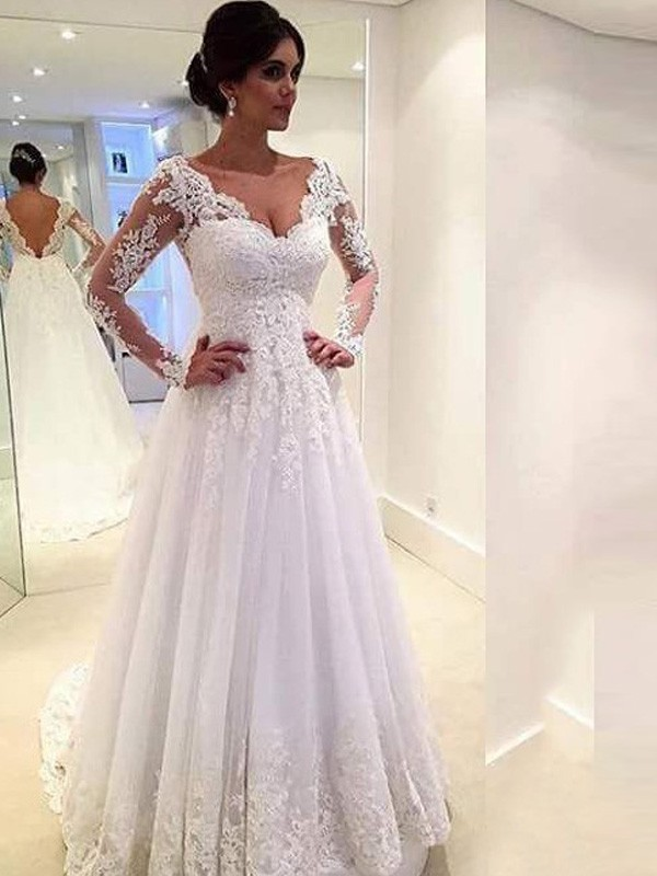 Ball Gown V-neck Long Sleeves Sweep/Brush Train Tulle Wedding Dresses With Lace