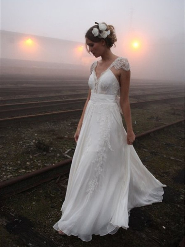 A-Line/Princess V-neck Floor-Length Sleeveless Chiffon Wedding Dresses With Lace