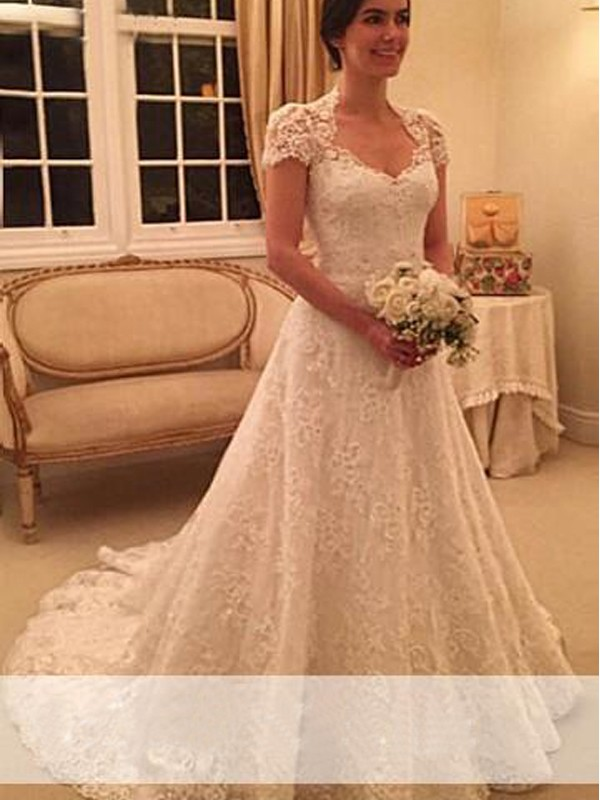 A-Line/Princess Sweetheart Court Train Short Sleeves Wedding Dresses With Lace