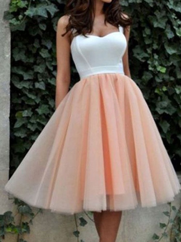 A-Line/Princess Sleeveless Sweetheart Tulle Knee-Length Dress