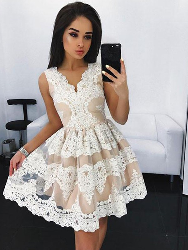 A-Line/Princess V-neck Lace Short/Mini Tulle Dresses