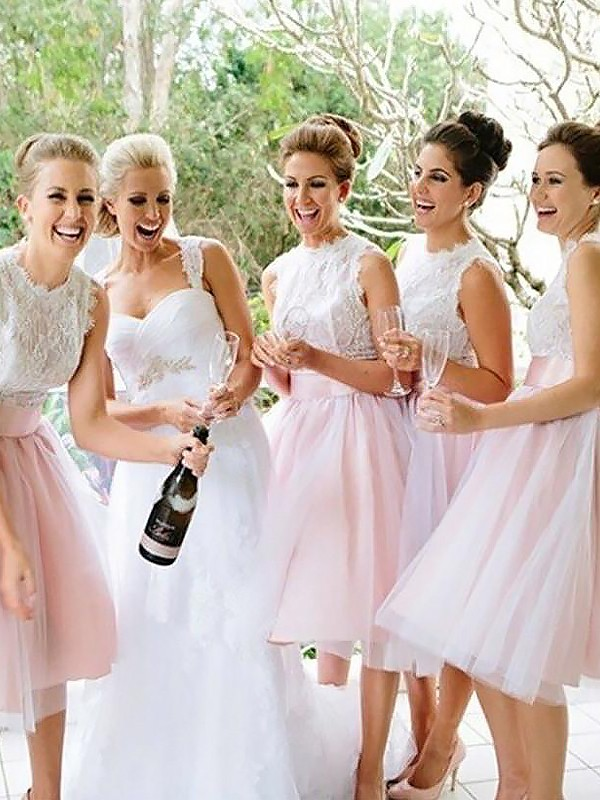 A-Line/Princess Scoop Knee-Length Lace Tulle Bridesmaid Dresses