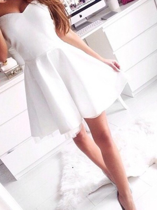 A-Line/Princess Sleeveless Sweetheart Short/Mini Satin Dress With Beading