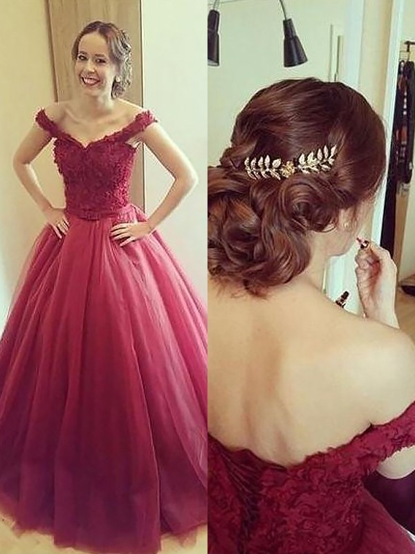 Ball Gown Off-the-Shoulder Sleeveless Long Tulle Dresses With Appliques