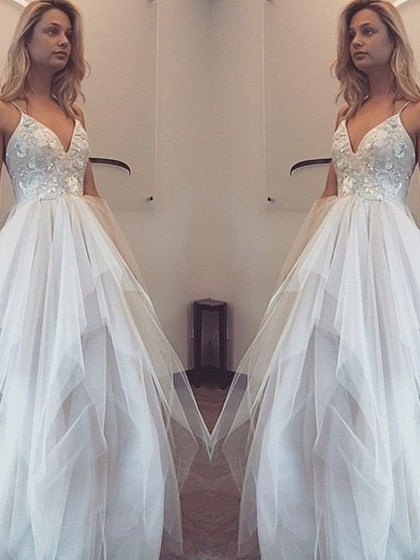 A-Line/Princess Spaghetti Straps Sleeveless Long Tulle Dresses With Appliques
