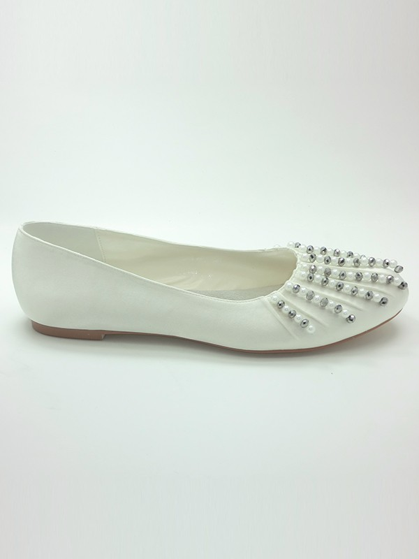 Women's Satin Closed Toe Flat Heel With Beading Wedding Shoes