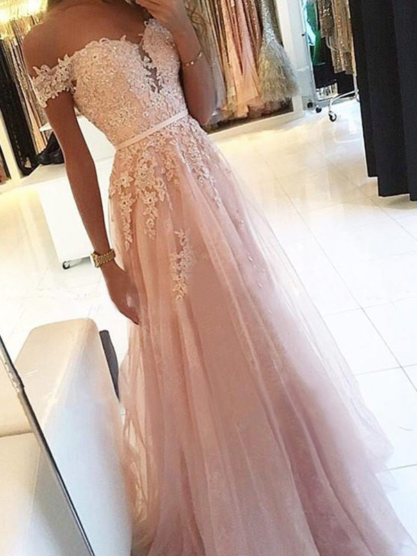 A-Line/Princess Off-the-Shoulder Floor-Length Applique Tulle Dresses