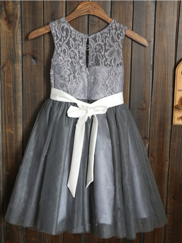 A-line/Princess Scoop Sash/Ribbon/Belt Tulle Tea-Length Dresses